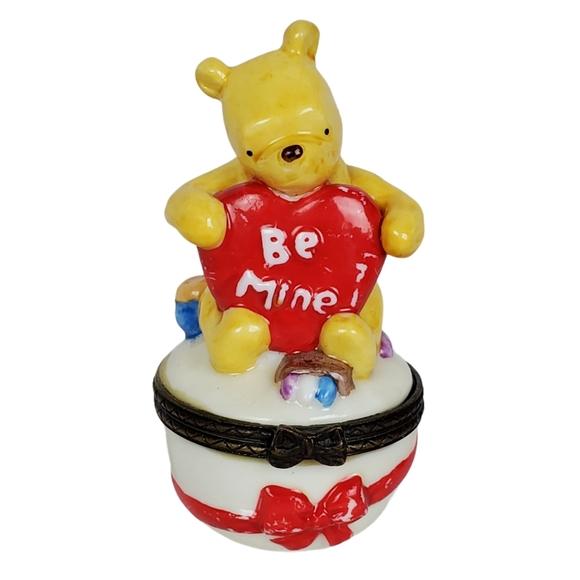 Classic Winnie-the-Pooh hinged trinket box
